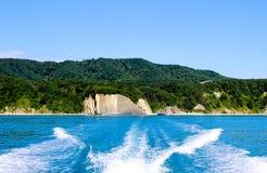 Barca, la traccia della barca, viaggio della barca sul mare, il movimento sull'acqua Fotografia Stock Libera da Diritti