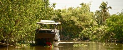 Barca lungo il Mekong, Vietnam Immagini Stock