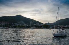 Barca in marinaio immagini stock libere da diritti