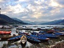 Barca nel lago Fotografia Stock
