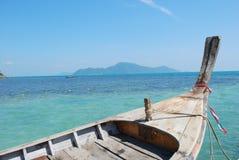 Barca nel mare fotografie stock libere da diritti