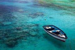 Barca nel mare Immagini Stock