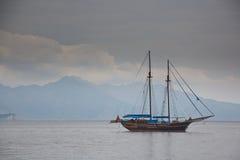 Barca nella baia di Turunc fotografia stock