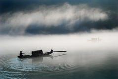 Barca nella nebbia Immagini Stock Libere da Diritti