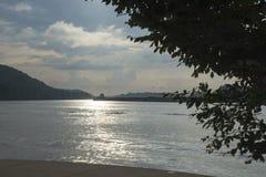 Barca no rio de Ohio foto de stock