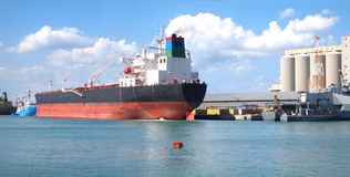 Barca panoramica in porto Fotografia Stock