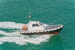 Barca pilota del porto Immagini Stock