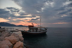 Barca in porto Fotografia Stock