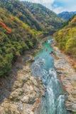 Barca a remi che viaggia sul fiume Kyoto Giappone di Arashiyama Fotografia Stock Libera da Diritti