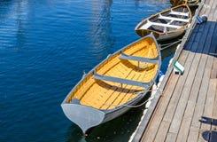 Barca a remi in porto Immagine Stock Libera da Diritti