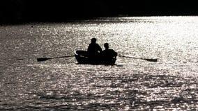 Barca a remi in retroilluminato Fotografia Stock Libera da Diritti