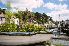 Barca riempita di fiori Fotografia Stock