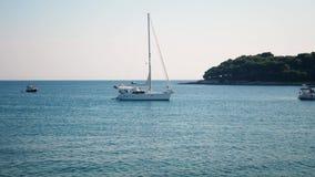 Barca sola sul mare Priorità bassa di distensione archivi video