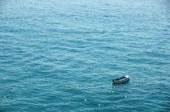 Barca solitaria Immagini Stock Libere da Diritti