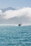 Barca sopra acqua Immagine Stock