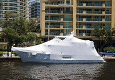 Barca spostata Fotografie Stock