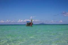 Barca su acqua Immagine Stock