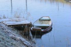 Barca su ghiaccio Fotografie Stock Libere da Diritti