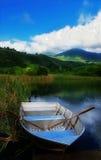Barca su un lago Fotografia Stock Libera da Diritti