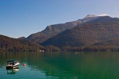 Barca su Wolfgangsee fotografie stock libere da diritti