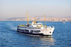 Barca sul bosphorus Immagine Stock Libera da Diritti