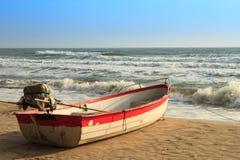 Barca sul brach Immagine Stock