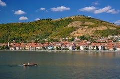 Barca sul Danubio Fotografie Stock Libere da Diritti