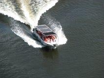 Barca sul fiume di Chavon immagine stock libera da diritti