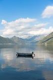 Barca sul lago Immagini Stock