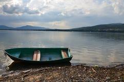 Barca sul lago Immagine Stock Libera da Diritti