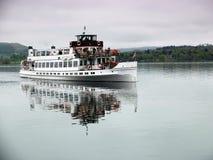 Barca sul lago Fotografie Stock Libere da Diritti