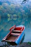 Barca sul lago di legno Fotografia Stock