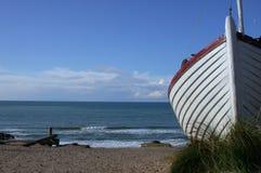 Barca sul pilastro Immagine Stock Libera da Diritti