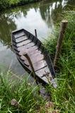 Barca sul puntello Fotografie Stock