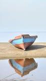 Barca sul puntello Fotografie Stock Libere da Diritti