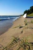 Barca sul puntello del lago Michigan Immagine Stock Libera da Diritti