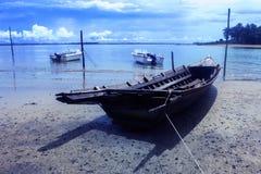 Barca sulla spiaggia fotografia stock