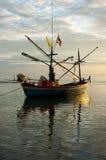 Barca tradizionale tailandese del pescatore Immagini Stock Libere da Diritti