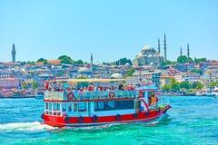 Barca turistica a Costantinopoli Fotografia Stock Libera da Diritti