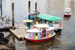 Barca turistica in False Creek a Vancouver, Canada Fotografia Stock