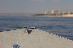 Barca turistica sul fiume Immagini Stock Libere da Diritti