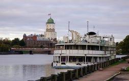 Barca turistica sul lago in Vyborg, Russia Fotografia Stock Libera da Diritti