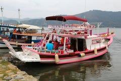 Barca variopinta Immagini Stock Libere da Diritti
