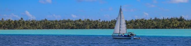 Barca a vela in Bora Bora, Polinesia francese Fotografie Stock Libere da Diritti