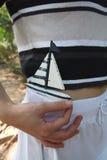 Barca a vela con le bande Fotografia Stock Libera da Diritti