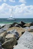Barca a vela del catamarano Immagini Stock