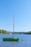 Barca a vela in lago Immagine Stock Libera da Diritti