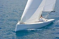 Barca a vela nell'azione Fotografia Stock Libera da Diritti
