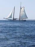 Barca a vela su acqua immagine stock libera da diritti