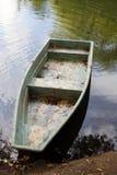 Barca vicino ai puntelli Immagine Stock Libera da Diritti